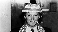 """""""Ich will Liverpool von ihrem verdammten Ast hauen."""" (Bei seinem Amtsantritt 1986 über den damaligen Rekordmeister. Liverpool stand damals bei 16 Meisterschaften, United bei sieben. Inzwischen führt Manchester mit 20 zu 18)"""