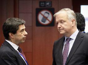 EU-Währungskommissar Olli Rehn (r) mit dem portugiesischen Finanzminister Vitor Gaspar.