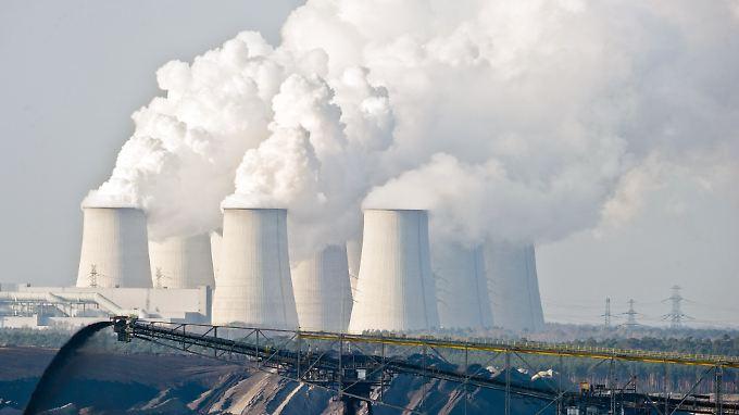 Braunkohlekraftwerk in Brandenburg: fast 40 Prozent der CO2-Emissionen fallen bei der Stromerzeugung an.