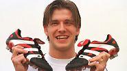 Dabei fängt er als ganz normaler Junge an. 1992 war das, bei Manchester United. Dieses Bild zeigt ihn bereits sechs Jahre später.