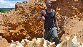 Für viele Männer im Kongo ist die Arbeit in einer Mine die einzige Möglichkeit, Geld zu verdienen.