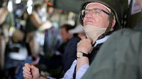 """Thomas de Maizière will sich von der """"Euro Hawk""""-Pleite offenbar nicht entmutigen lassen."""