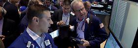 Pingpong an der Wall Street: Woche im Minus, Monat im Plus