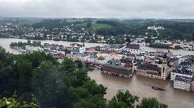 Die Altstadt von Passau versinkt in den Fluten. Dort gibt es keinen Strom mehr.