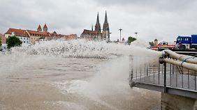 Aufräumen in Passau beginnt: Regensburg löst Katastrophenalarm aus