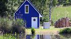 Ein Ferienhaus in Dömitz (Mecklenburg-Vorpommern) vor dem Hochwasser am 6. Juni ...