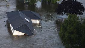 Elbpegel sinkt langsam: Lage nach Dammbruch weiterhin kritisch