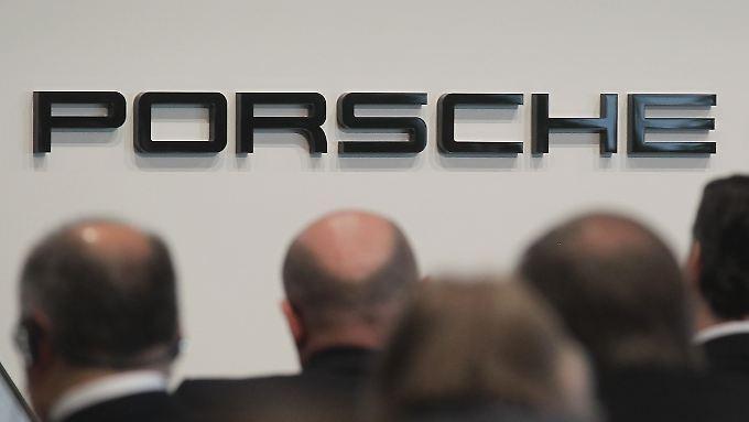 Katar zieht sich bei Porsche zurück, bleibt aber im VW-Konzern engagiert.