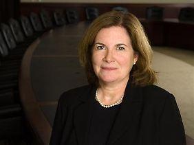 Esther George von der Kansas City Fed hält die Geldpolitik seit längerem für zu locker. Sie warnt, ein zu starkes Stimulieren der Wirtschaft werde die Inflation anheizen.