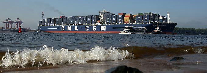 """Eines der größten seiner Art: Die """"Alexander von Humboldt"""" kann 16.000 Standardcontainer aufnehmen."""