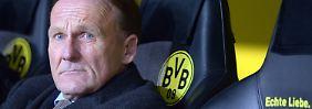 BVB-Geschäftsführer Hans-Joachim Watzke bleibt bei seinen markigen Aussagen, auch wenn es mit Neuzugängen bei den Dortmundern noch hapert.