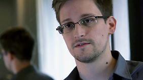Edward Snowden ist im Transitbereich des Moskauer Flughafens untergetaucht.