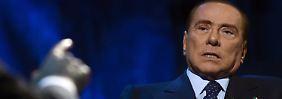 """Berlusconi sagt, er habe damit nicht gerechnet, """"weil es absolut keine Möglichkeit für einen auf Beweisen basierenden Schuldspruch"""" gebe."""