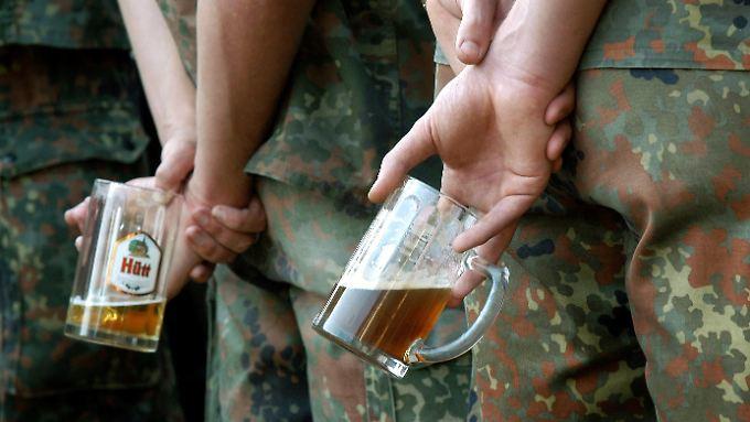 Beim Rückkehrappell für die aus Afghanistan heimgekehrten Soldatinnen und Soldaten in der Georg-Friedrich-Kaserne in Fritzlar.