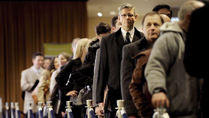 In den USA stehen immer weniger Arbeitslose Schlange. Das gibt den Börsen Schub.