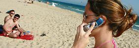 Mehr Geld für den Urlaub: Beim Handy-Telefonieren im Ausland sparen