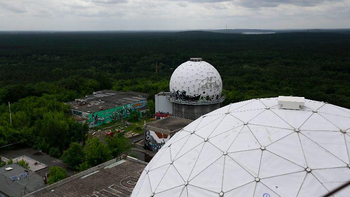 Heute ist die ehemalige NSA-Abhöranlage auf dem Teufelsberg eine Ruine. Spioniert wird von anderen Standorten aus - etwa vom Stützpunkt der US-Armee in Heidelberg.