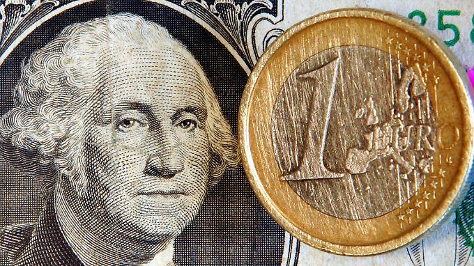 Der Euro hält sich über der Marke von 1,35 Dollar.