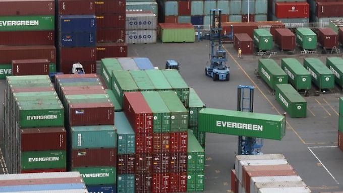 Nachfrage nach Waren deutscher Unternehmen sinkt.