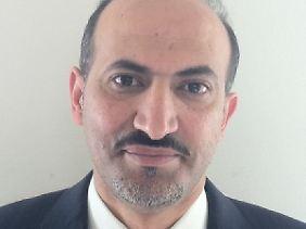 Dscharba studierte in Beirut Jura und wurde später Geschäftsmann.
