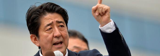 Shinzo Abe, Japans Premierminister und Vorsitzender der Liberaldemokratischen Partei: Anleger sehen in ihm einen Garanten für massive Konjunkturstimuli.