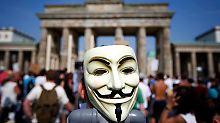 In Berlin zogen die Demonstrierenden bis vor das Brandenburger Tor.