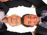 Beim Job-Sharing teilen sich zwei Personen eine Stelle. Damit das klappt, ist eine gute Kommunikation das A und O. Foto:Diagentur