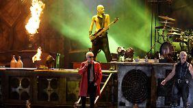 Headbanger treffen auf Dorfidylle: Heino rockt mit Rammstein in Wacken