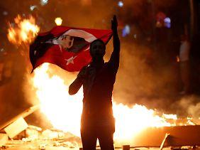 Auch viele Demonstranten vom Gezi-Park hängen dem Nationalisten Atatürk nach.
