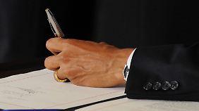 Umpolen gilt als Körperverletzung: Linkshänder haben es im Leben oft schwerer