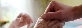Viele Dienste sollen Scheinleistungen in Rechnung stellen und wehrlose Pflegebedürftige abkassieren.