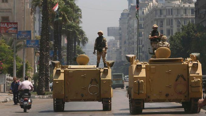 """""""Freitag der Wut"""" in Ägypten: Militär steht mit Panzern bereit"""