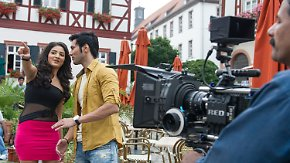 Kitsch trifft Kleinstadtromantik: Bollywood-Stars lassen Heppenheim tanzen