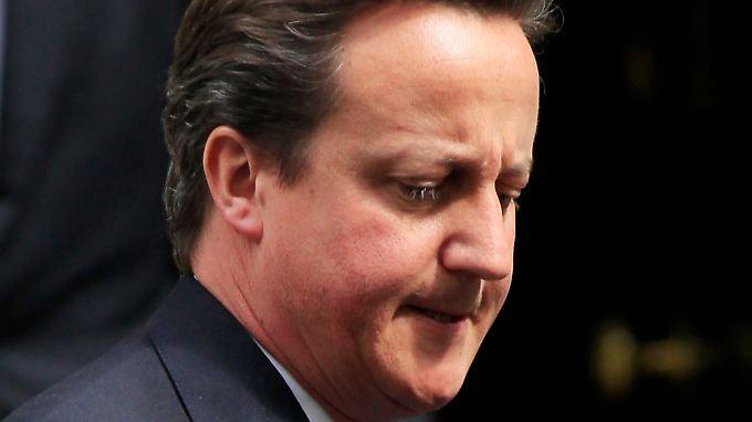 """Der britische Premierminister Cameron konnte sich bislang viel erlauben - doch die """"Entweihung"""" des """"Guardian"""" verzeihen ihm seine Landsleute nicht."""