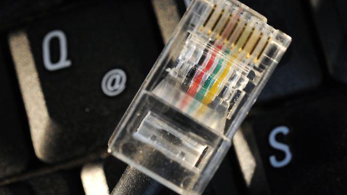 Zehntausende Computer weltweit haben Software-Hintertüren, über die US-Geheimdienste auf Daten oder ganze Netzwerke zugreifen.