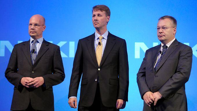 Ziegen sich wieder angriffslustig: Nokias Interims-Präsident Timo Ihamuotila (l.), Verwaltungsratschef Risto Siilasmaa und der frühere Konzernchef Stephen Elop.