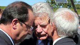 Gedenken an SS-Verbrechen: Gauck setzt in Oradour bewegendes Zeichen