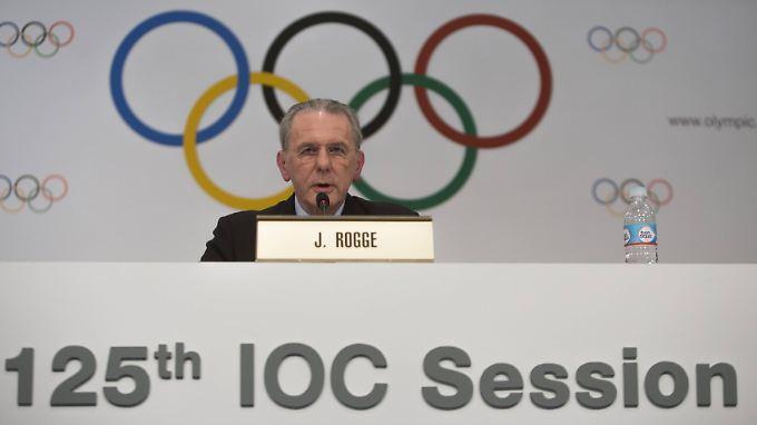Jacques Rogge tritt nach zwölf Jahren als IOC-Präsident ab. Vorher verkündet er noch den Olympia-Gastgeber 2020.
