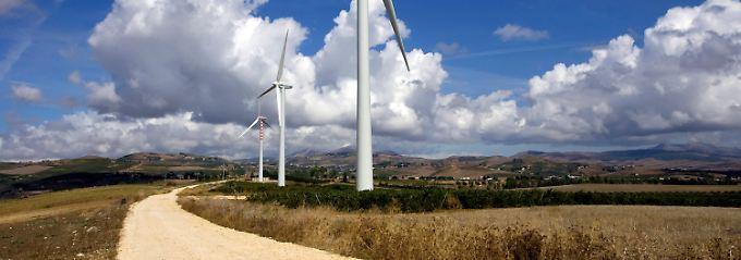 Stromerzeugende Landschaften: Die Energiewende erreicht das Land, wo die Zitronen blühn.