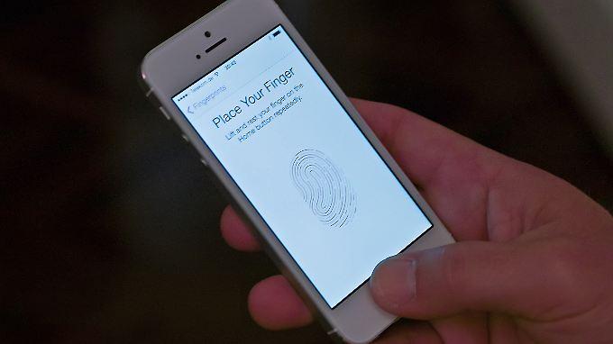 Der Fingerabdruck-Scanner im iPhone 5S ist vielen Nutzern nicht geheuer.