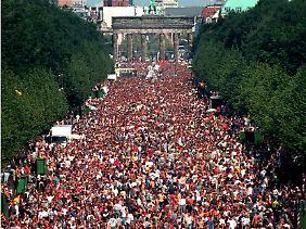 Verlief stets ohne größere Zwischenfälle: Loveparade in Berlin.