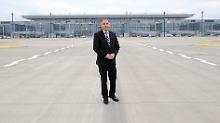 Knapp 570.000 Euro pro Jahr: Ex-Flughafenchef Rainer Schwarz musste nach dem Eröffnungsdebakel unfreiwillig gehen (Archivbild).