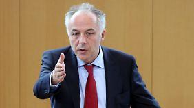 CDU fordert Rückzahlung: Machnig war Doppelverdiener