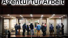 Arbeitgeber warnen vor Grünen: Arbeitsagentur-Institut will Mindestlohn