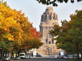 Das Völkerschlacht-Denkmal war 1913 zum hundertjährigen Jubiläum der Schlacht eingeweiht worden. In diesem Jahr erstrahlt es frisch saniert.
