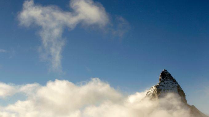 Der Dax stößt in neue Höhen vor - doch erste Anleger warnen vor der dünner werdenden Luft.
