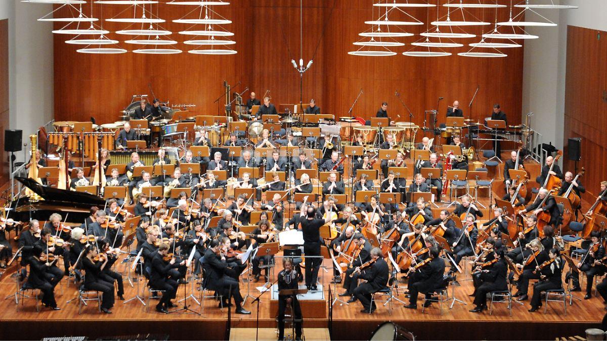 симфонический оркестр картинка полного оркестра тому усыновил сына