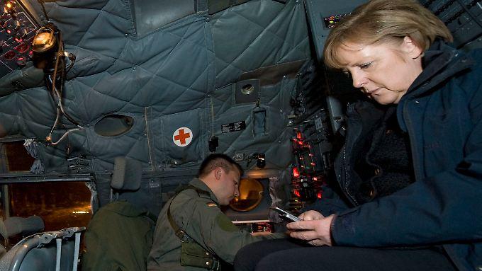 Mit wem kommunizierte die Kanzlerin am 18. Dezember 2010 auf dem Rückflug aus Afghanistan? Die NSA dürfte es wissen.