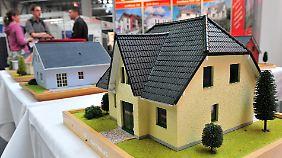 Steigende Preise für Immobilien: Lohnt sich Wohneigentum noch als private Altersvorsorge?