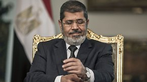Prozessauftakt in Kairo: Mursi droht die Todesstrafe